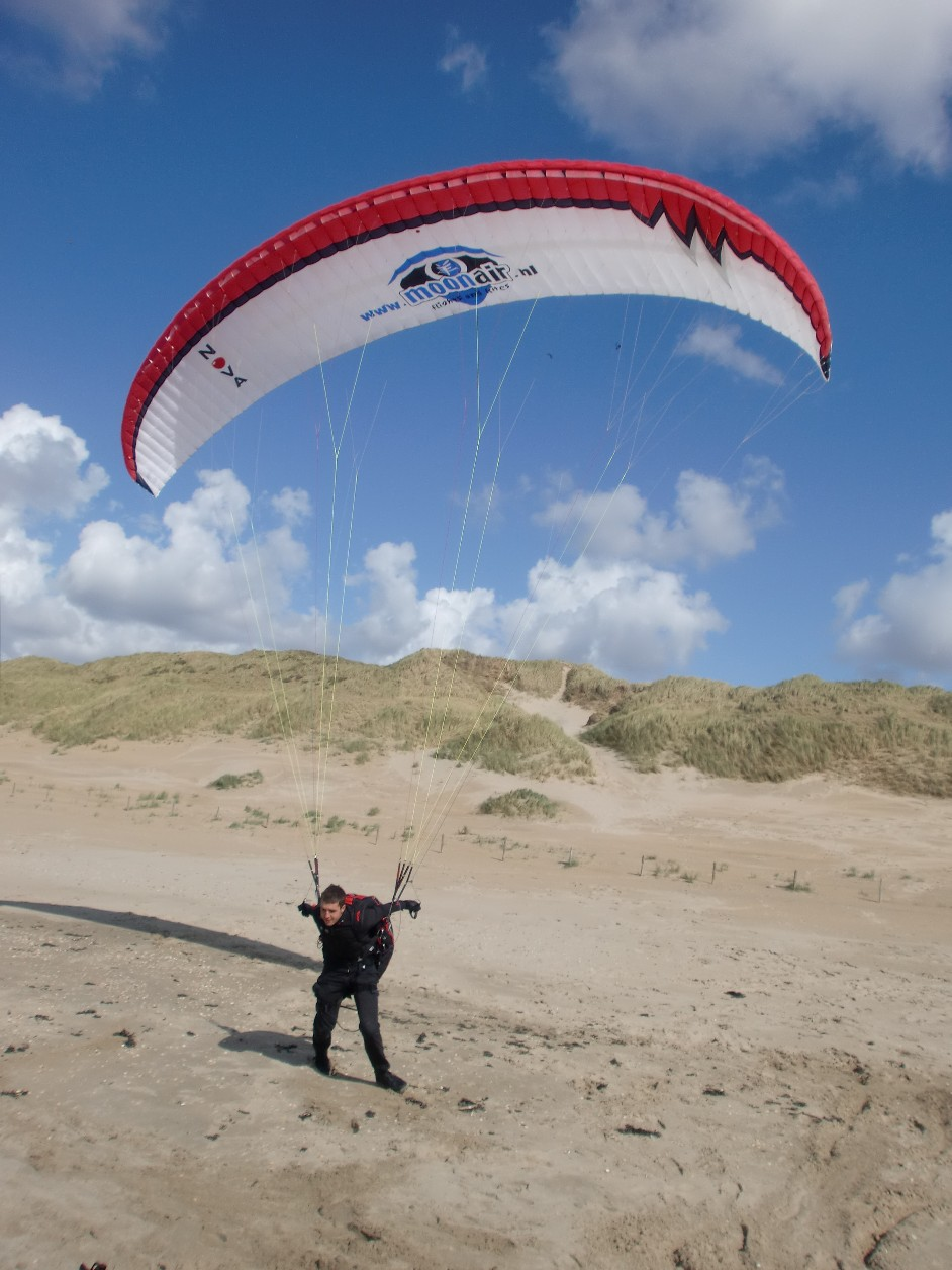 Bas, with the Nova Shockwave.. AWSOME GLIDER!